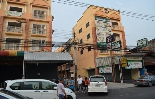 For Rent 3 Beds Shophouse in Mueang Nonthaburi, Nonthaburi, Thailand | Ref. TH-VQWYMBSZ