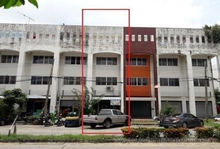 For Sale Shophouse 18.3 sqwa in Khlong Luang, Pathum Thani, Thailand