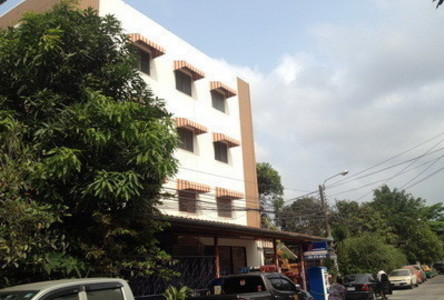 For Sale Apartment Complex 44 rooms in Mueang Samut Prakan, Samut Prakan, Thailand