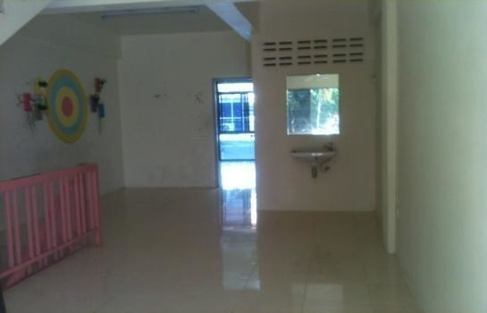 For Sale or Rent 2 Beds Shophouse in Mueang Chiang Mai, Chiang Mai, Thailand | Ref. TH-MOQLUTSG