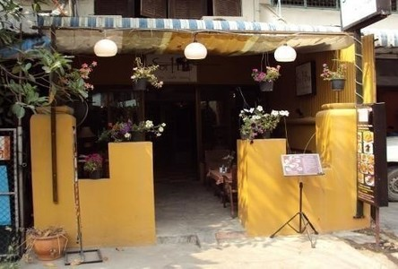 For Sale 3 Beds Shophouse in Mueang Chiang Mai, Chiang Mai, Thailand