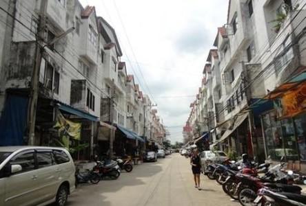 For Sale 3 Beds Shophouse in Lat Krabang, Bangkok, Thailand
