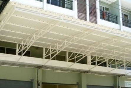 For Rent 4 Beds Shophouse in Khlong Luang, Pathum Thani, Thailand