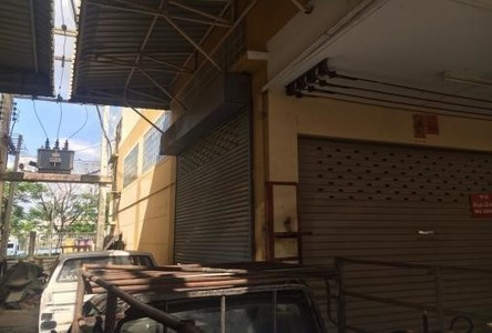 For Sale Shophouse 34 sqwa in Khlong Luang, Pathum Thani, Thailand