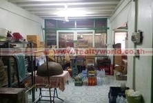 For Sale 4 Beds Shophouse in Yan Nawa, Bangkok, Thailand