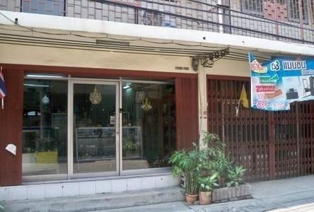 For Sale or Rent 3 Beds Shophouse in Bangkok Noi, Bangkok, Thailand