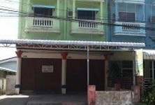 For Sale or Rent Shophouse 43 sqwa in Phanom Sarakham, Chachoengsao, Thailand