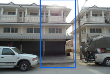 For Rent 2 Beds Shophouse in Lat Lum Kaeo, Pathum Thani, Thailand