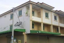 For Sale 3 Beds Shophouse in Bang Pa-in, Phra Nakhon Si Ayutthaya, Thailand