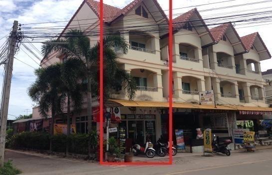 For Sale 2 Beds Shophouse in Sattahip, Chonburi, Thailand | Ref. TH-YAUOKAXJ