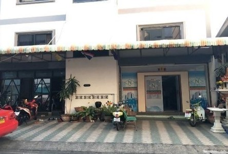 For Sale Apartment Complex 26 rooms in Huai Khwang, Bangkok, Thailand