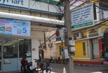 For Rent 4 Beds Shophouse in Sam Phran, Nakhon Pathom, Thailand