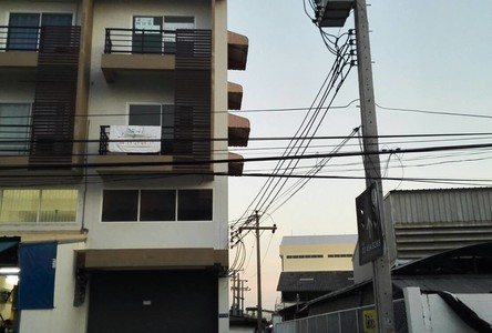 For Rent Shophouse 220 sqm in Phra Pradaeng, Samut Prakan, Thailand
