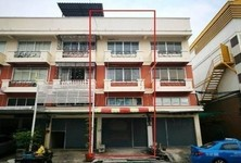 For Sale or Rent 2 Beds Shophouse in Mueang Samut Prakan, Samut Prakan, Thailand