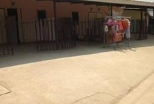 Продажа: Шопхаус с 4 спальнями в районе Mueang Ang Thong, Ang Thong, Таиланд