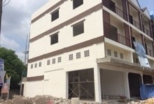 For Sale Shophouse 50 sqwa in Lam Luk Ka, Pathum Thani, Thailand