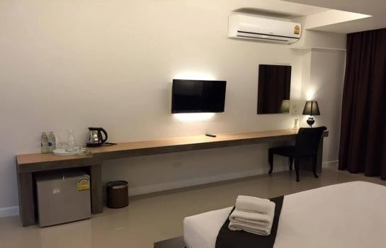 For Rent Apartment Complex 30 rooms in Mueang Phitsanulok, Phitsanulok, Thailand | Ref. TH-LVBEKDCX