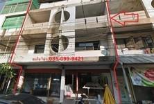 For Sale Shophouse 38 sqwa in Saphan Sung, Bangkok, Thailand