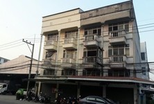 For Sale or Rent 6 Beds Shophouse in Mueang Prachinburi, Prachin Buri, Thailand