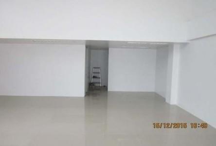 For Sale or Rent Shophouse 104 sqm in Yan Nawa, Bangkok, Thailand