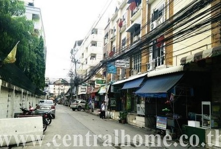 For Sale 5 Beds Shophouse in Mueang Nonthaburi, Nonthaburi, Thailand