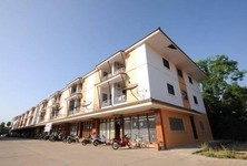 For Sale or Rent 6 Beds Shophouse in Mueang Phitsanulok, Phitsanulok, Thailand