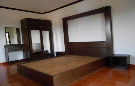 For Sale or Rent 6 Beds Shophouse in Mueang Phitsanulok, Phitsanulok, Thailand | Ref. TH-RYFENXWV