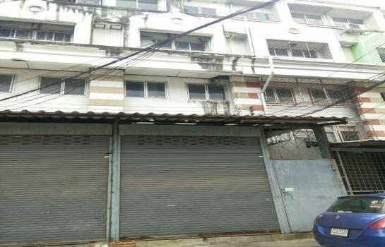 For Rent 3 Beds Shophouse in Pak Kret, Nonthaburi, Thailand | Ref. TH-KLLDGCWG