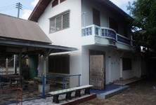 For Sale 30 Beds Shophouse in Mueang Uttaradit, Uttaradit, Thailand