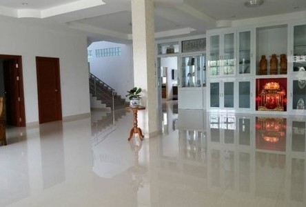 For Sale Warehouse 400 sqwa in Mueang Samut Prakan, Samut Prakan, Thailand