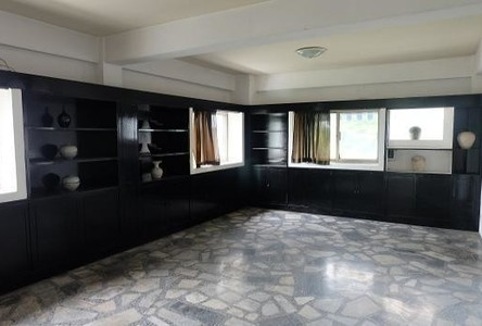 For Rent Apartment Complex 4 rooms in Phra Khanong, Bangkok, Thailand