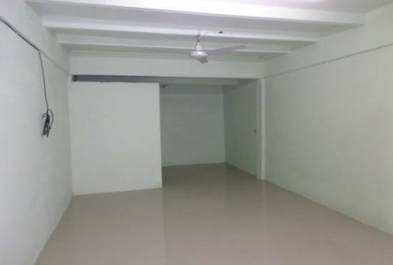 For Sale Apartment Complex 20 rooms in Lat Krabang, Bangkok, Thailand