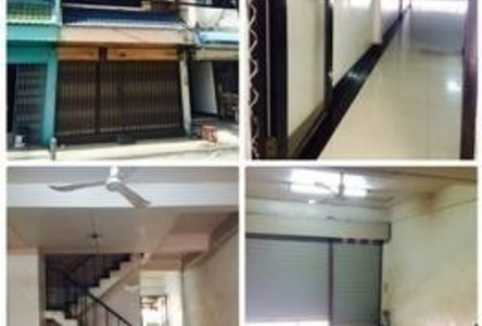 For Sale 4 Beds Shophouse in Chatuchak, Bangkok, Thailand