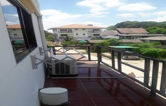 For Sale Apartment Complex 11 rooms in Mueang Chiang Mai, Chiang Mai, Thailand | Ref. TH-PKZUBSWV
