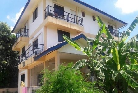 Продажа: Жилое здание 11 комнат в районе Mueang Chiang Mai, Chiang Mai, Таиланд