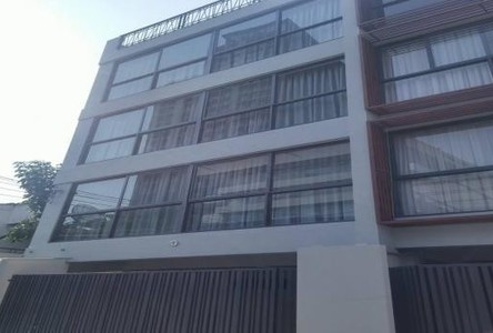 For Rent Apartment Complex 6 rooms in Watthana, Bangkok, Thailand