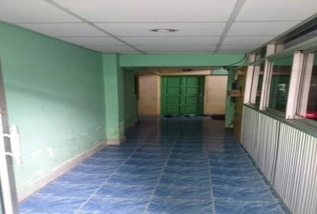For Sale Apartment Complex 20 rooms in Bang Phlat, Bangkok, Thailand