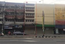 For Sale or Rent 4 Beds Shophouse in Mueang Nonthaburi, Nonthaburi, Thailand