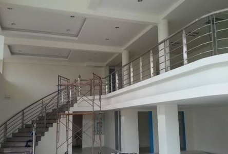 For Sale Shophouse 105 sqwa in Phutthamonthon, Nakhon Pathom, Thailand