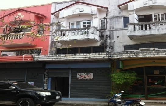 For Sale or Rent 3 Beds Shophouse in Mueang Phuket, Phuket, Thailand | Ref. TH-KWKWLORN