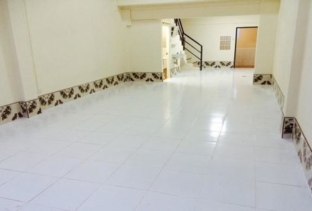 For Rent 2 Beds Shophouse in Sung Noen, Nakhon Ratchasima, Thailand