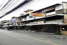 For Sale 10 Beds Shophouse in Din Daeng, Bangkok, Thailand