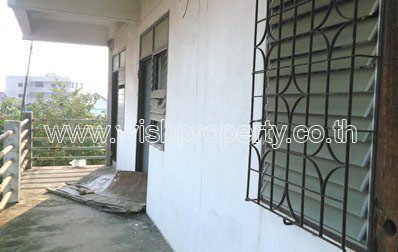 For Sale Apartment Complex 19 rooms in Mueang Samut Prakan, Samut Prakan, Thailand | Ref. TH-JDDLQSGU