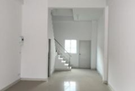 For Rent 3 Beds Shophouse in Mueang Samut Prakan, Samut Prakan, Thailand