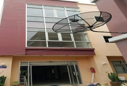 For Sale 10 Beds Shophouse in Mueang Samut Prakan, Samut Prakan, Thailand