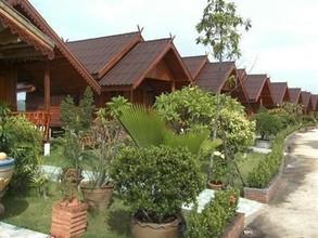 Located in the same area - Tha Tako, Nakhon Sawan