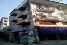 For Sale Shophouse 13 sqwa in Bang Phli, Samut Prakan, Thailand