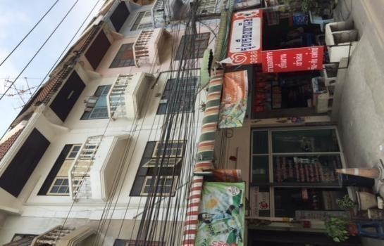 For Sale 4 Beds Shophouse in Mueang Nonthaburi, Nonthaburi, Thailand | Ref. TH-DUFWWNZN