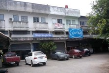 For Sale 4 Beds Shophouse in Mueang Chiang Rai, Chiang Rai, Thailand