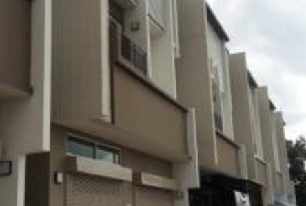 For Sale or Rent 3 Beds Shophouse in Thawi Watthana, Bangkok, Thailand